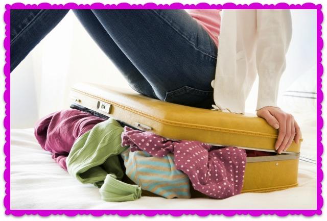 Moda  cosa mettere in valigia per un weekend primaverile e57d9f7c009