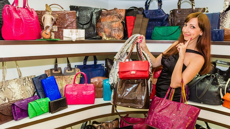 handbags-507822_1280
