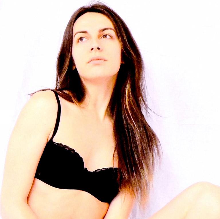 Alessia-Ameri-intimissimi-nero